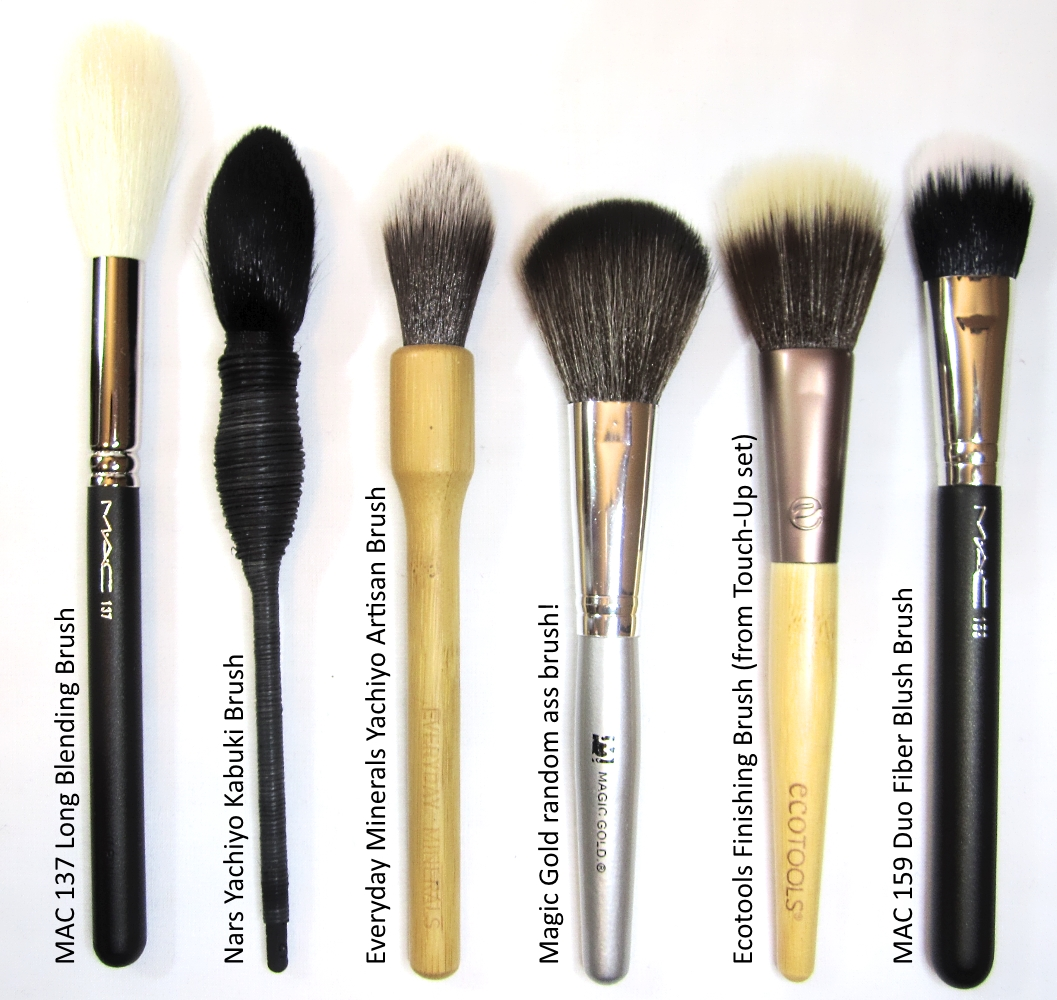 review mac 137 long blending brush stash matters. Black Bedroom Furniture Sets. Home Design Ideas