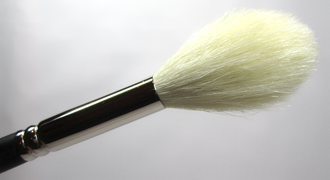 MAC137brush16