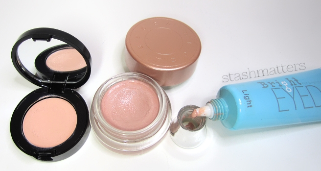 Becca_Under_Eye_Brightening_Corrector_11