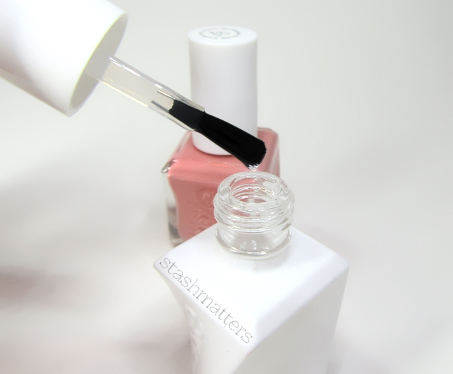 essie_gel_couture_pinned_up_15