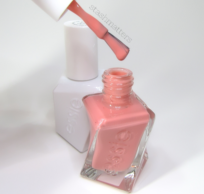 essie_gel_couture_pinned_up_5