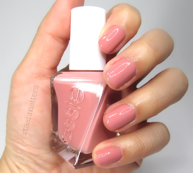 Review: Essie Gel Couture Pinned Up & Top Coat | stash matters