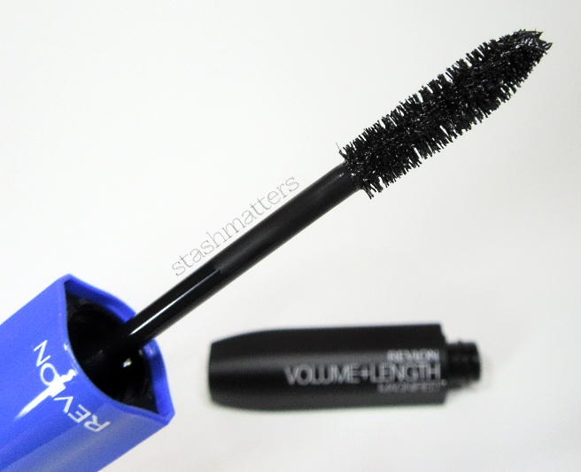 Revlon_mascaras_volume_length_magnified_3