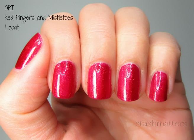 opi_red_fingers_mistletoes_3