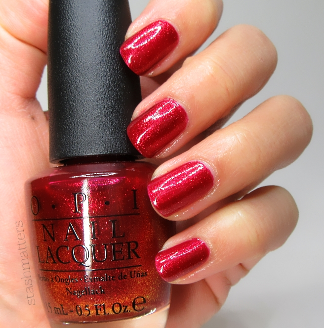 opi_red_fingers_mistletoes_7