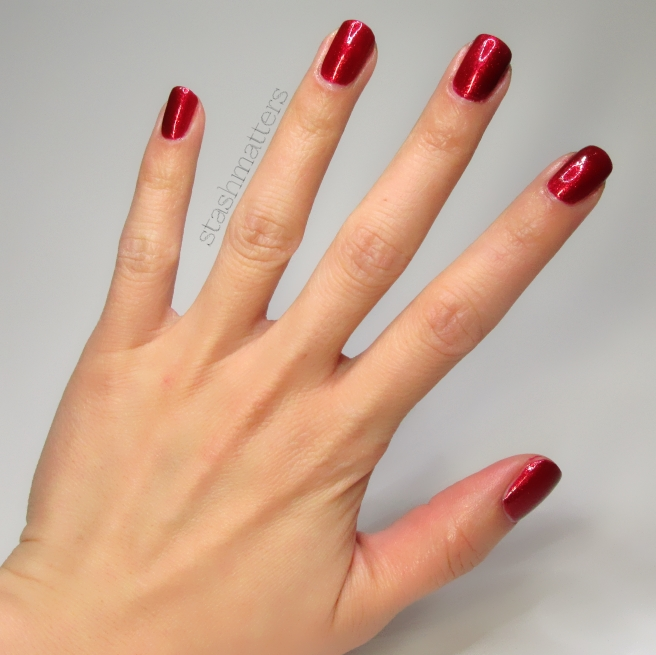 opi_red_fingers_mistletoes_8