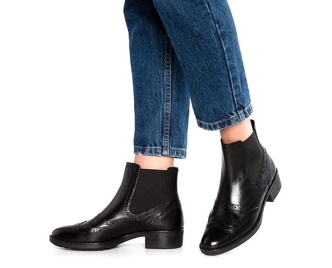 Ettiene Ankle Boots in Black